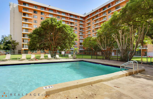 Park Towers Apartments - 777 NW 155th Ln, Miami, FL 33169