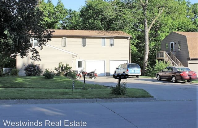 1425 Eastview Drive - 1425 Eastview Drive, Coralville, IA 52241