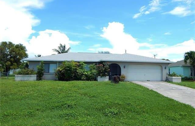 2707 SE 4th AVE - 2707 Southeast 4th Avenue, Cape Coral, FL 33904