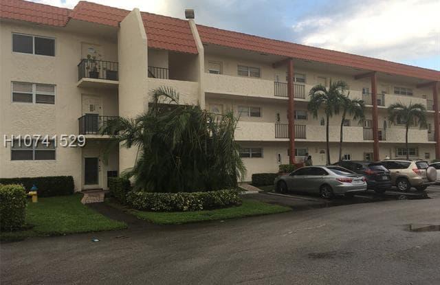 371 S Hollybrook Dr - 371 South Hollybrook Drive, Pembroke Pines, FL 33025