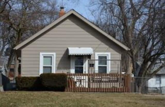 1001 Maish Ave - 1001 Maish Avenue, Des Moines, IA 50315