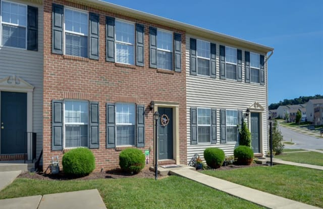 Lion's Gate Townhomes - 101 N Cheviot Way, Red Lion, PA 17356