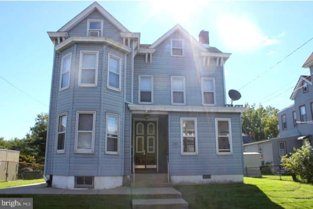 223 W BRIDGE STREET - 223 West Bridge Street, Morrisville, PA 19067