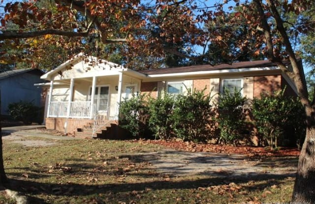 533 Nottingham Drive - 533 Nottingham Drive, Fayetteville, NC 28311