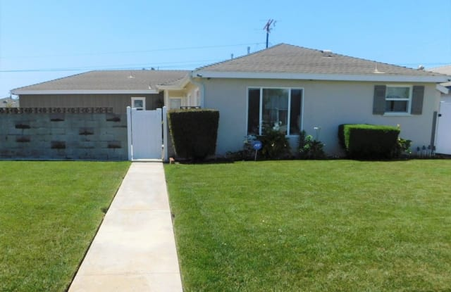 216 NECTARINE STREET - 216 Nectarine Street, Oxnard, CA 93033