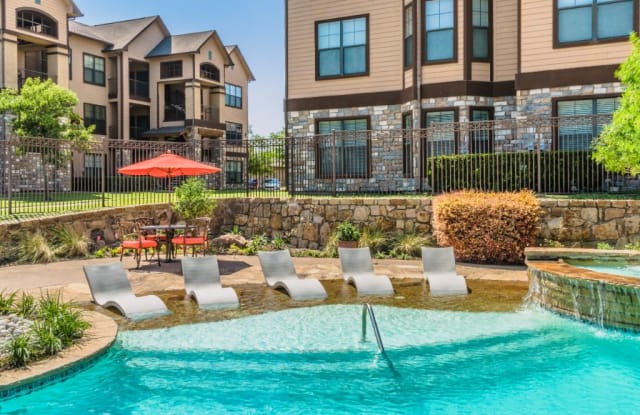 Hunter's Cove - 1250 W Highway 287 Byp, Waxahachie, TX 75165