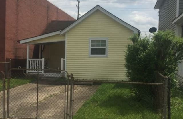 329 3rd Ave W - 329 3rd W Ave, Huntington, WV 25701
