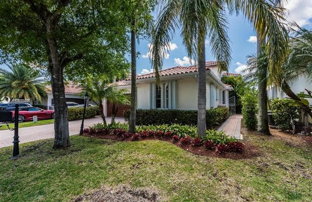 4449 NW 93 - 4449 NW 93rd Doral Ct, Doral, FL 33178