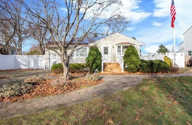 4 Thistle Ln - 4 Thistle Lane, Kings Park, NY 11754