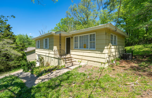 1521 5th Pl NW - 1521 5th Place Northwest, Center Point, AL 35215