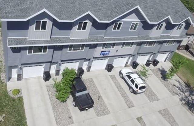 1126 19th St N - 1126 19th Street North, Fargo, ND 58102