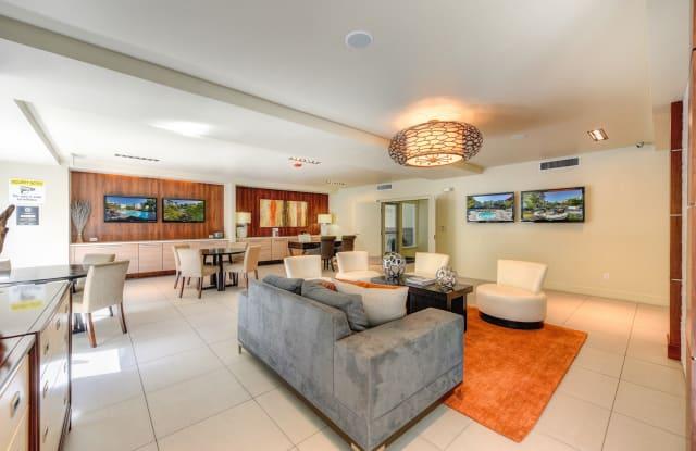 The Retreat Apartments - 1441 Creekside Dr, Walnut Creek, CA 94596