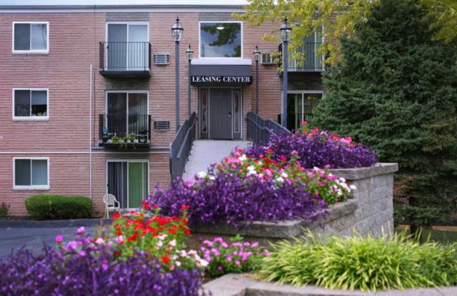 Park Val Apartment Homes - 7009 Weil Ave, St. Louis, MO 63119