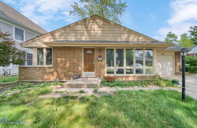 1313 Warrington Road - 1313 Warrington Road, Deerfield, IL 60015