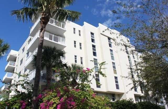 16590 NE 26th Ave - 16590 Northeast 26th Avenue, North Miami Beach, FL 33160