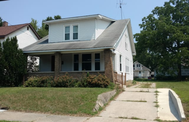 2124 Eastern Ave NE - 2124 Eastern Avenue Northeast, Grand Rapids, MI 49505