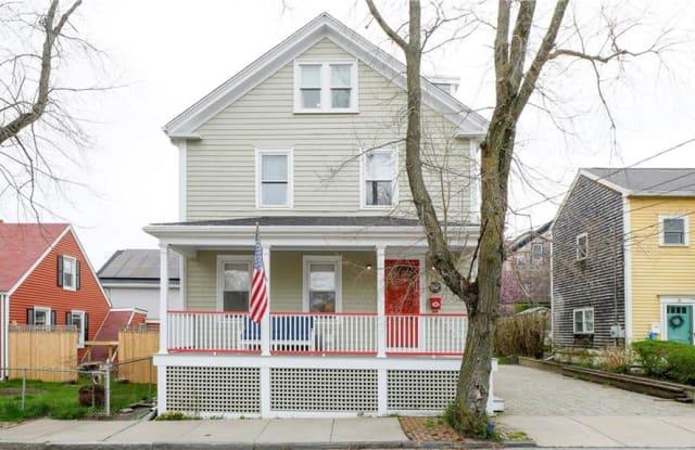 32 Bacheller Street - 32 Bacheller Street, Newport, RI 02840