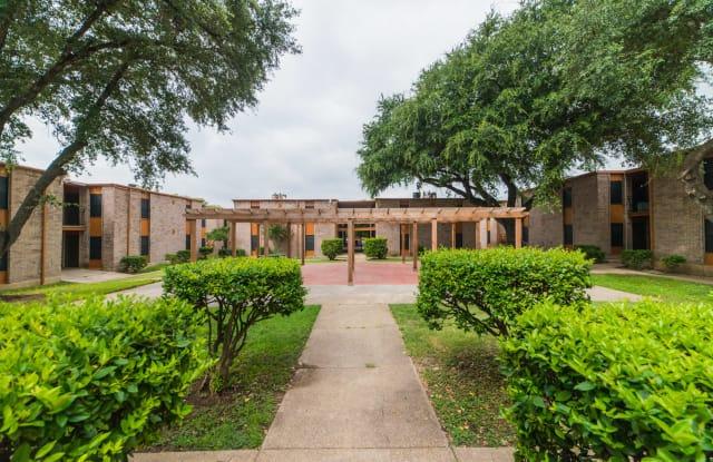 Oaks on Bandera - 1171 Bandera Rd, San Antonio, TX 78228