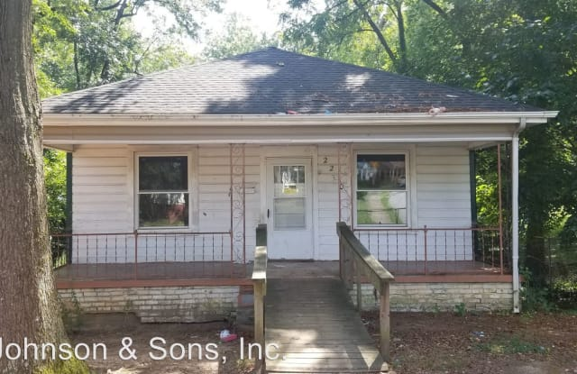 2230 Greenway Ave - 2230 Greenway Avenue, Winston-Salem, NC 27105