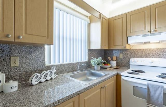 Sunhouse Apartments - 6975 W 16th Ave, Hialeah, FL 33014