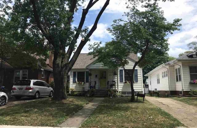 1824 S WALNUT Street - 1824 South Walnut Street, Springfield, IL 62704