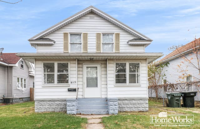 817 E Indiana Ave - 817 East Indiana Avenue, South Bend, IN 46613
