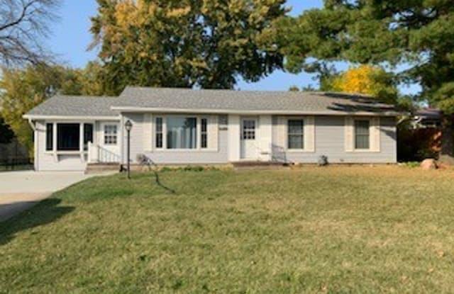 2504 Orchard Drive - 2504 Orchard Drive, Cedar Falls, IA 50613