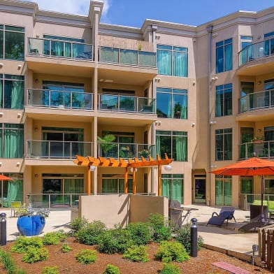 1045 On The Park Apartment Homes