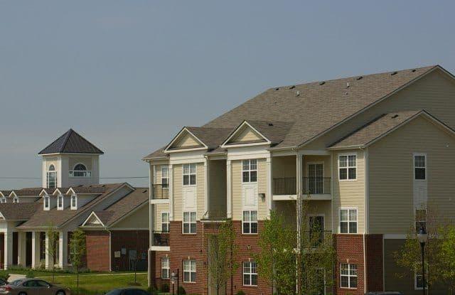 Shadow Creek Apartments - 7895 Shadow Creek Dr, Hamilton, OH 45011