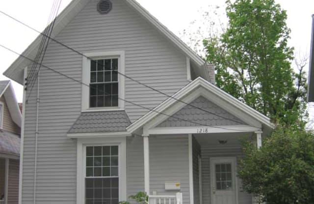 1218 N Capitol Ave - 1218 North Capitol Avenue, Lansing, MI 48906