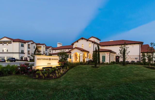Southpark Crossing Apartments - 1701 Oak Hill Ln, Austin, TX 78744