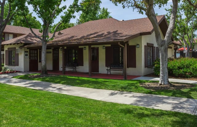 Country Hills Apartment Homes - 2540 Country Hills Rd, Brea, CA 92821