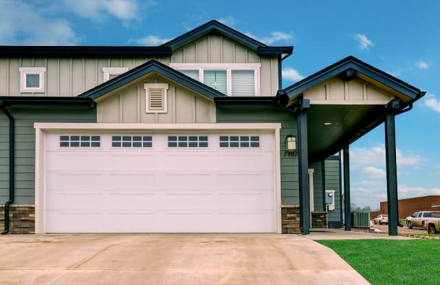 Creekstone Twin Homes - 2702 27th St W, Williston, ND 58801