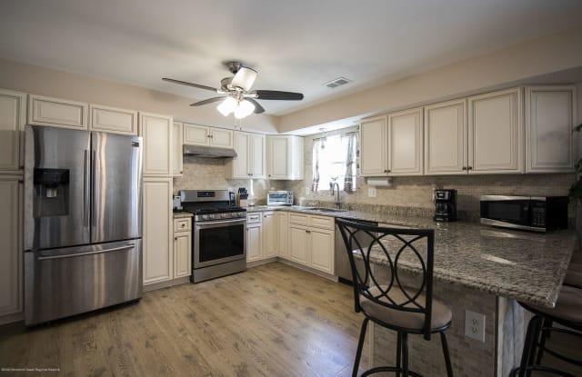 428 Morningside Avenue - 428 Morningside Avenue, Union Beach, NJ 07735