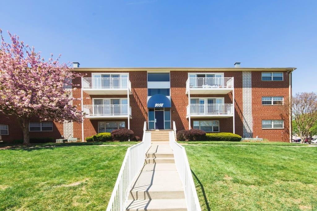 . Ravens Crest Apartments   Manassas  VA apartments for rent