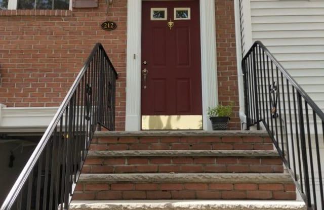 212 Barringer Dr - 212 Barringer Drive, Essex County, NJ 07110