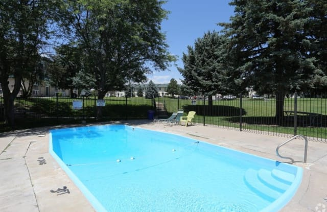 Oxford Pointe Apartments - 300 Russell Blvd, Thornton, CO 80229