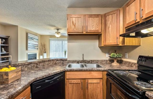 Hampton Woods - 16955 W 68th St, Shawnee, KS 66217
