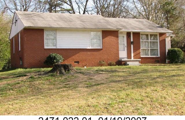 1034 CLOISTER DR - 1034 Cloister Drive, Winston-Salem, NC 27127