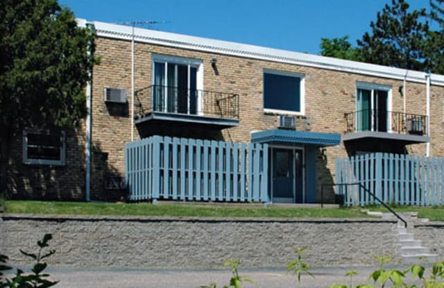 Pascal Apartments - 469 Pascal Street South, St. Paul, MN 55105