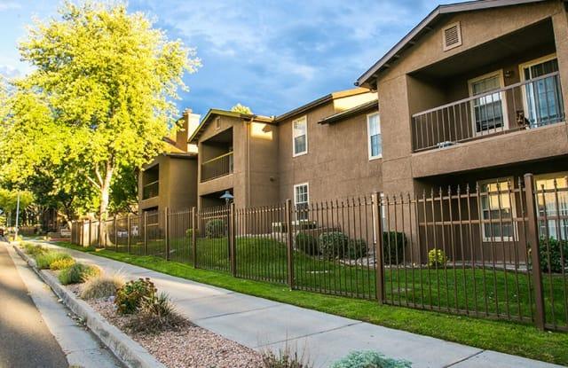 Hunter's Ridge Apartment Homes - 13150 Wenonah Ave SE, Albuquerque, NM 87123