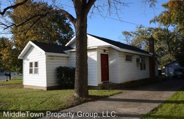1304 W Bethel St. - 1304 West Bethel Avenue, Muncie, IN 47304