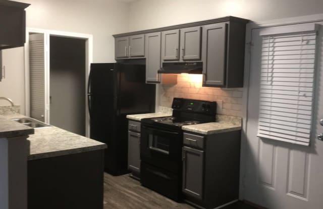 Tall Oaks Apartments - 348 Tall Oaks Dr SE, Atlanta, GA 30013