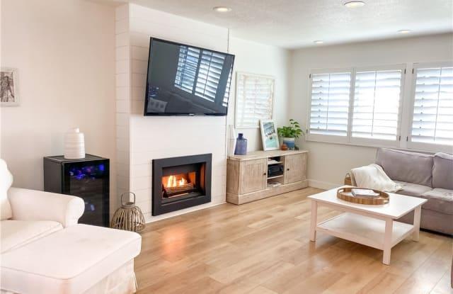 33 Seabird Court - 33 Seabird Ct, Newport Beach, CA 92663