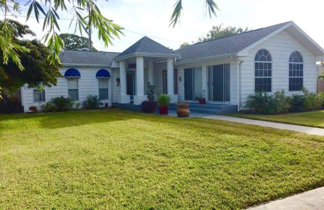 2926 Clinton Street - 2926 Clinton Street South, Gulfport, FL 33707