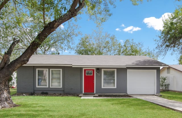 816 Hickory Hill Dr - 816 Hickory Hill Drive, Kirby, TX 78219