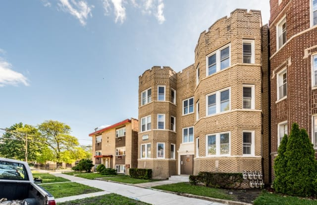 10719 S Calumet Ave - 10719 South Calumet Avenue, Chicago, IL 60628