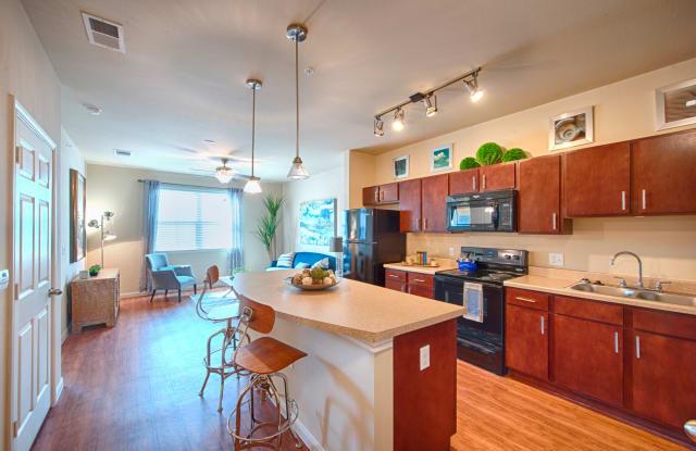 Oak Tree Apartments - 2511 Golf Course Rd, Kingsville, TX 78363