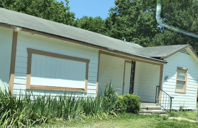 2602 Tanglewood - 2602 Tanglewood St, West Orange, TX 77630