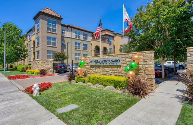 Villa Montanaro - 203 Coggins Dr, Pleasant Hill, CA 94523
